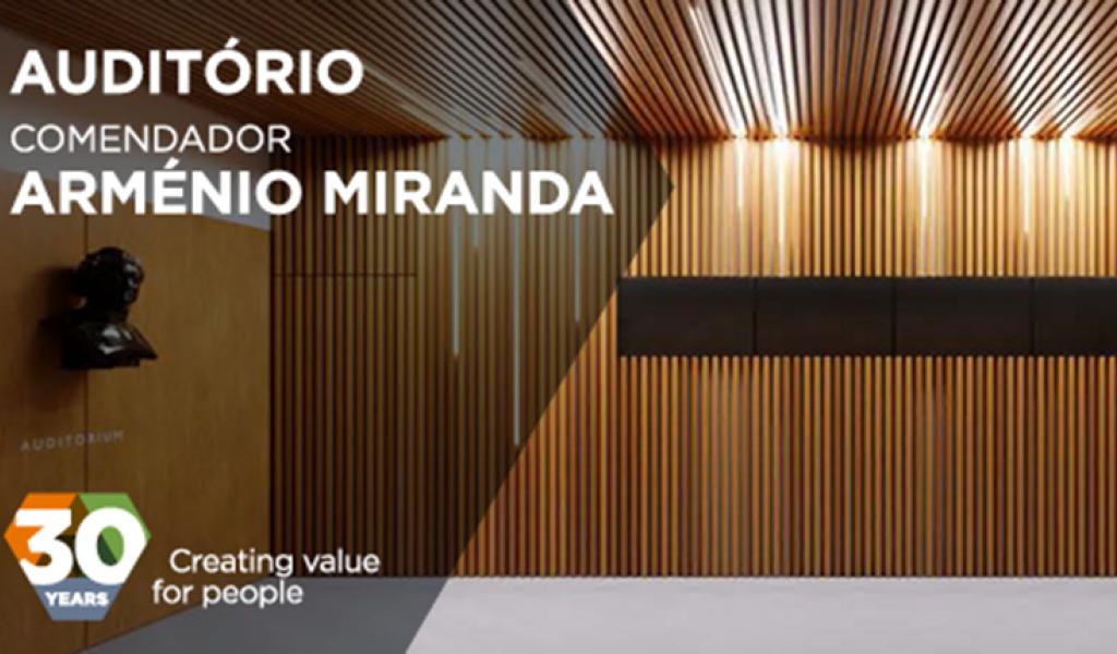 """Católica names auditorium from the Building of Biotechnology """"Auditório Comendador Arménio Miranda"""""""
